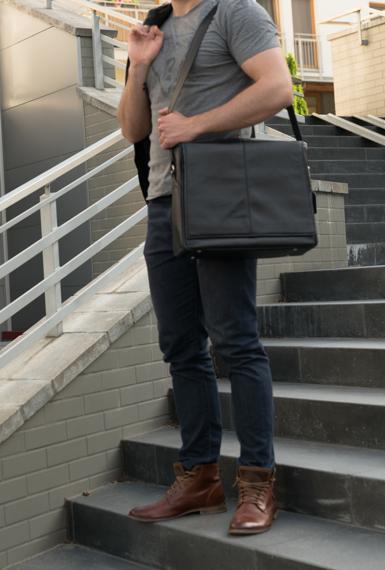 """15.6"""" Leather Messenger Bag Mcklein San Francesco"""