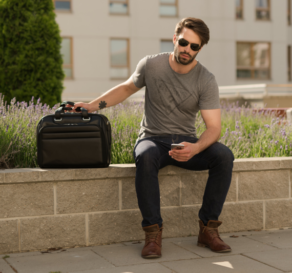 """17"""" Leather Fly-Through™ Checkpoint-Friendly Laptop Case Mcklein Springfield"""