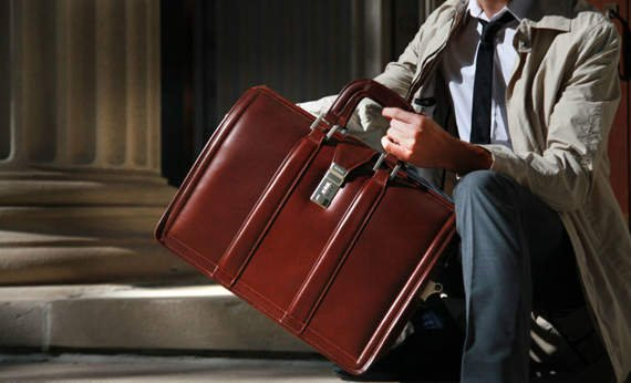 """Czarna biznesowa teczka na ramię lub do ręki, torba na laptopa 17"""" Morgan"""