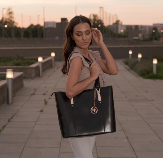 Skórzana torebka do pracy Savarna, kolor czarny